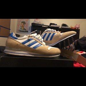 Adidas (shw: 657 001) size: M 9.5